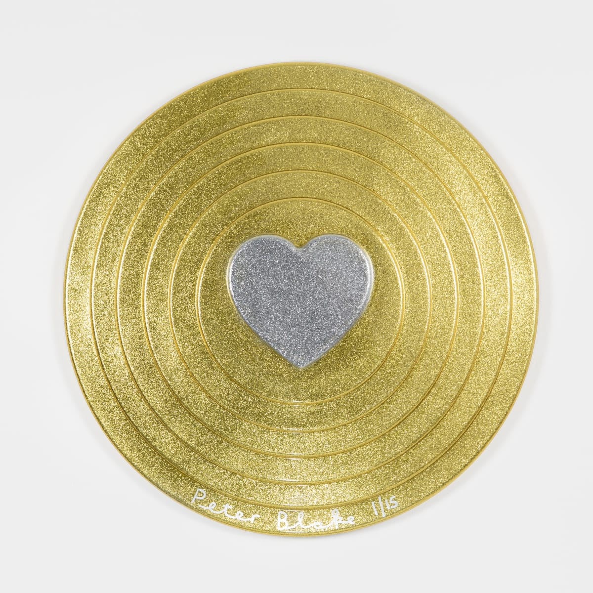 Peter Blake Silver heart on gold Target (metal flake), 2017 Vacuum formed plastic, paint 69 x 69 x 10 cm Edition of 15 Signed and numbered