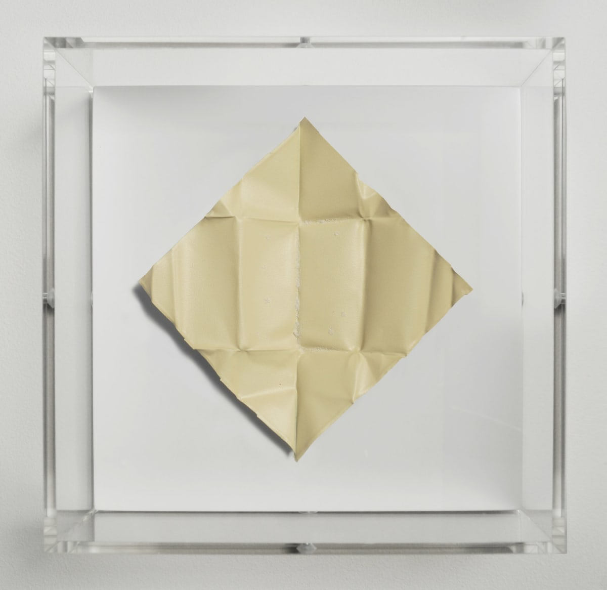 Mat Collishaw The Release - Vanilla, 2018 Diamond dust, folded aluminium, wood, acrylic, paint FRAMED 18.5 x 18.5 x 6.5 cm Edition of 10 Signed and numbered