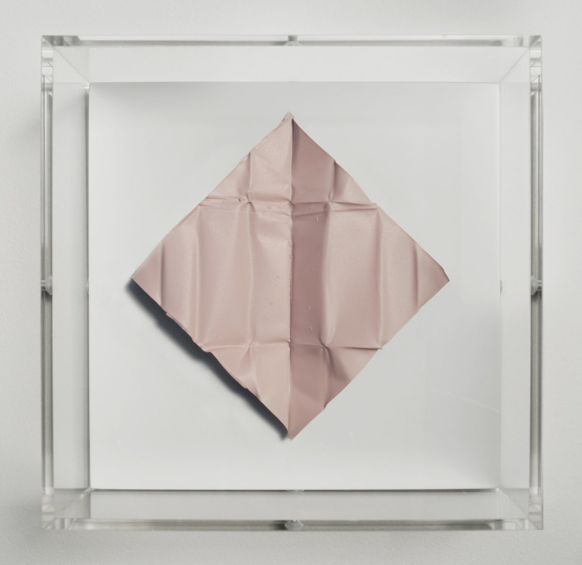Mat Collishaw The Release - Grapefruit Light, 2018 Diamond dust, folded aluminium, wood, acrylic, paint FRAMED 18.5 x 18.5 x 6.5 cm Edition of 10 Signed and numbered