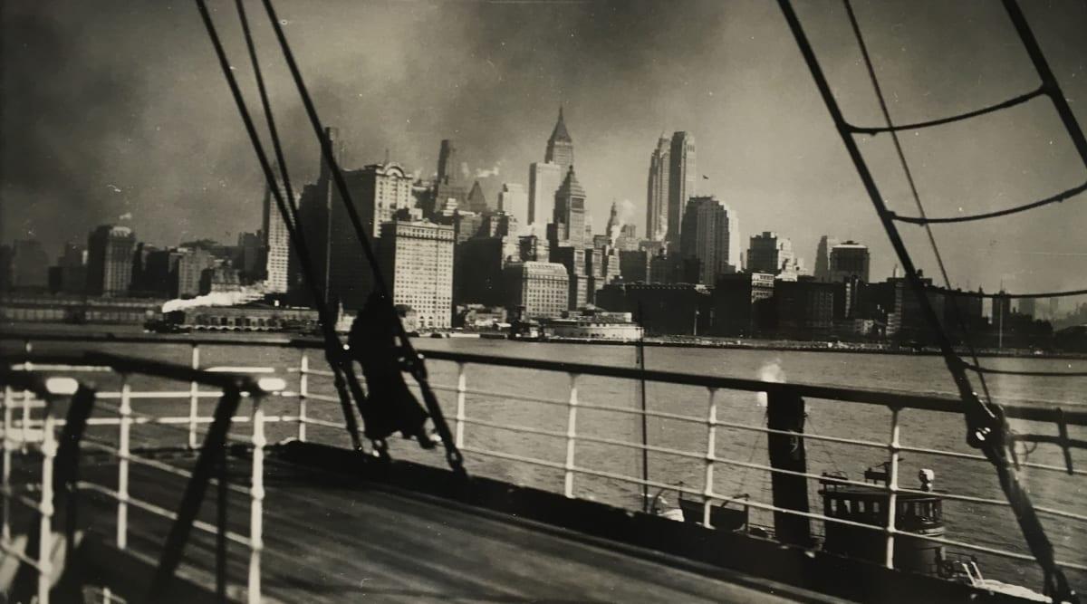 Fred Zinnemann Adieu New York I, February 1932 Vintage gelatin silver print 8 x 14 inches