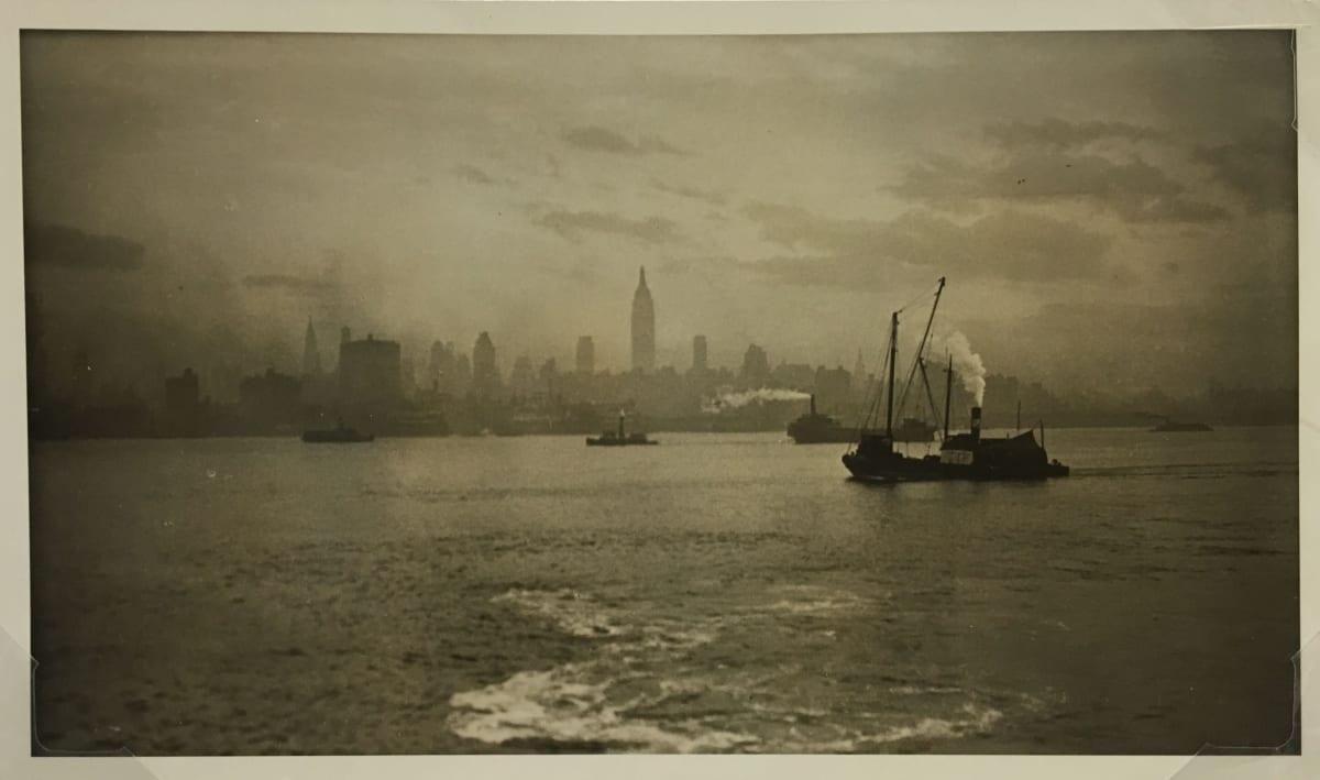 Fred Zinnemann Manhattan Sunset, November, 1931 Vintage gelatin silver print 5 7/8 x 10 inches