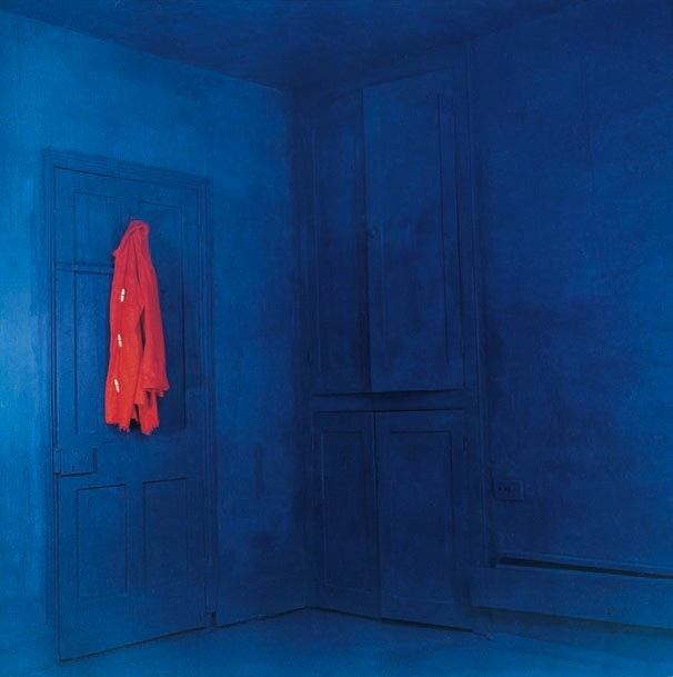 John HILLIARD Red Coat/Blue Room (1), 1969 C-type print on composition board, vintage 97 x 104 cm Edition 3 of 3