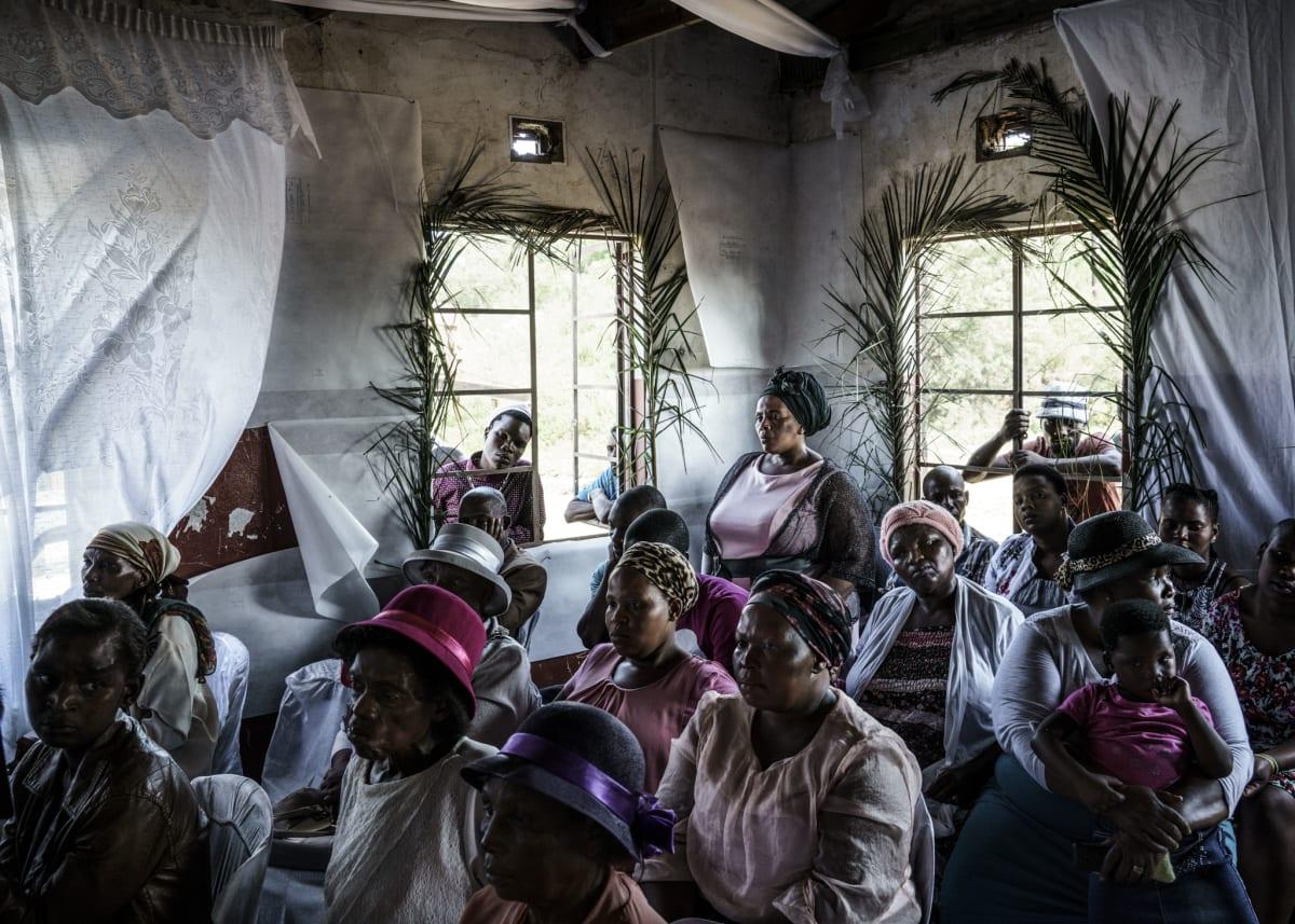 Jonas Bendiksen, Moses´ congregation, South Africa, 2016