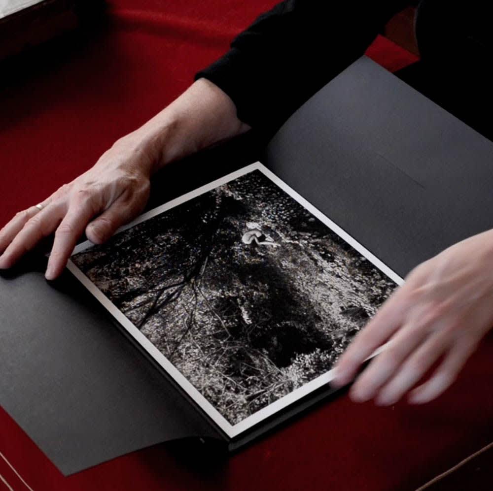 "Éric Antoine, Ensemble Seul / Book in box with print ""La Condition"" 2014, 2015"