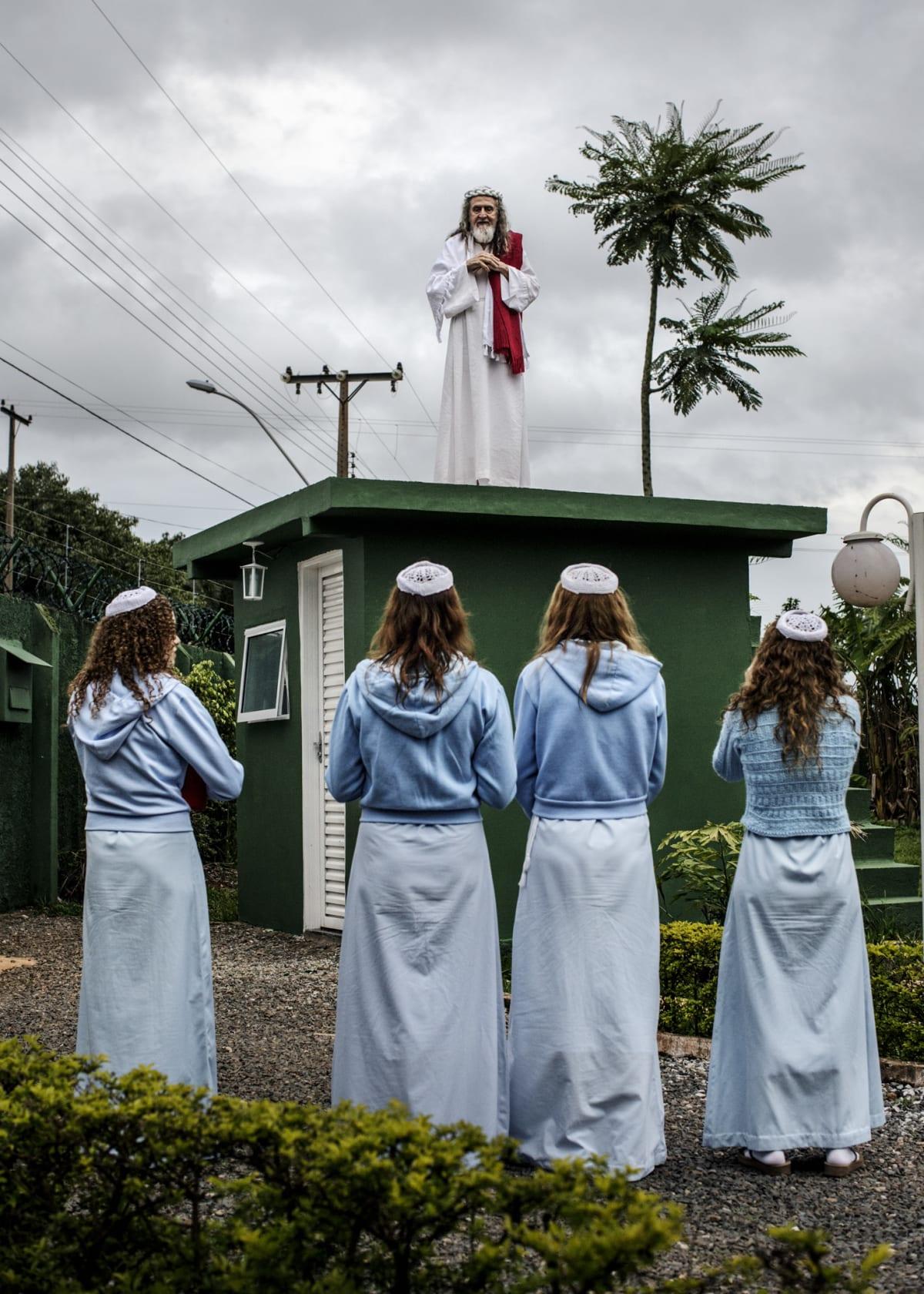 Jonas Bendiksen, INRI Cristo giving a sermony, Brazil, 2014