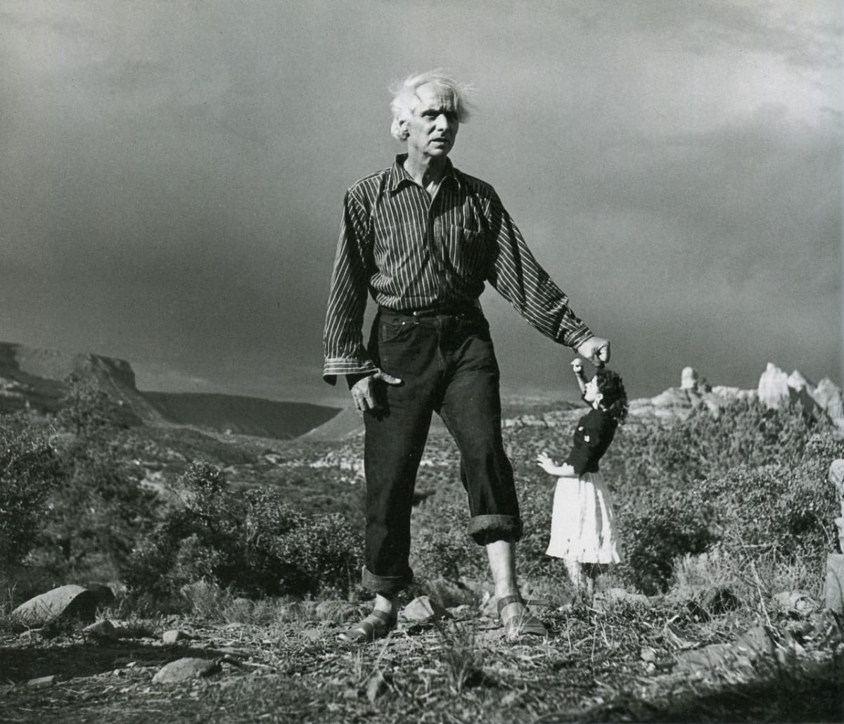 Lee Miller, Max Ernst and Dorothea Tanning in background, Arizona, USA, 1946