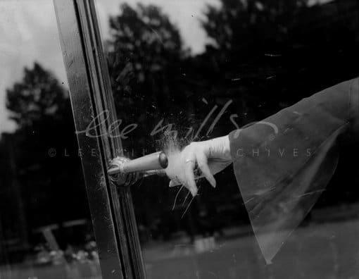 Lee Miller, Untitled (Exploding Hand, Guerlain Parfumerie, Paris, France, 1931