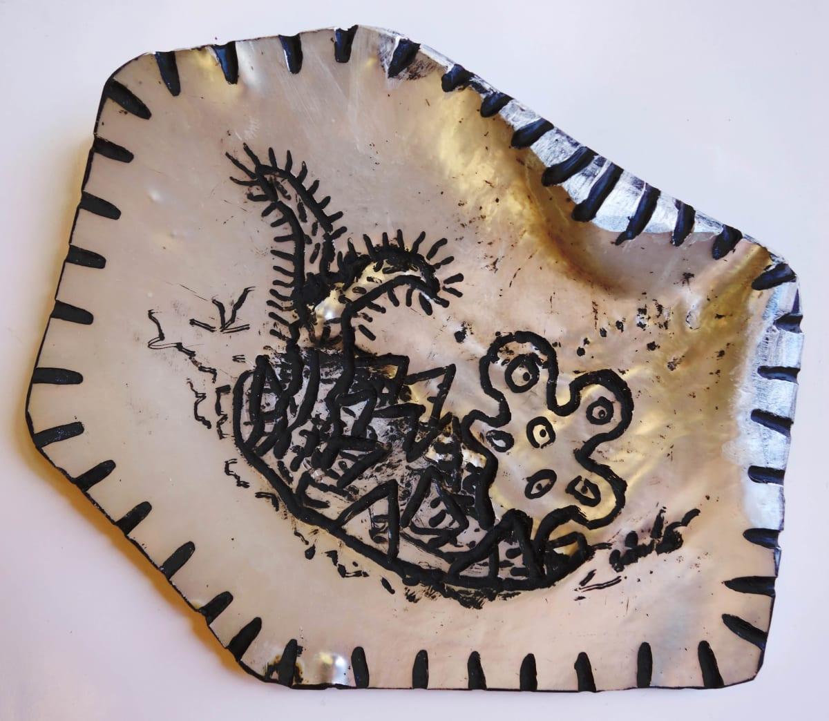 Stephen Eastaugh SHELL-13, 2015 Pearl shell and acrylic