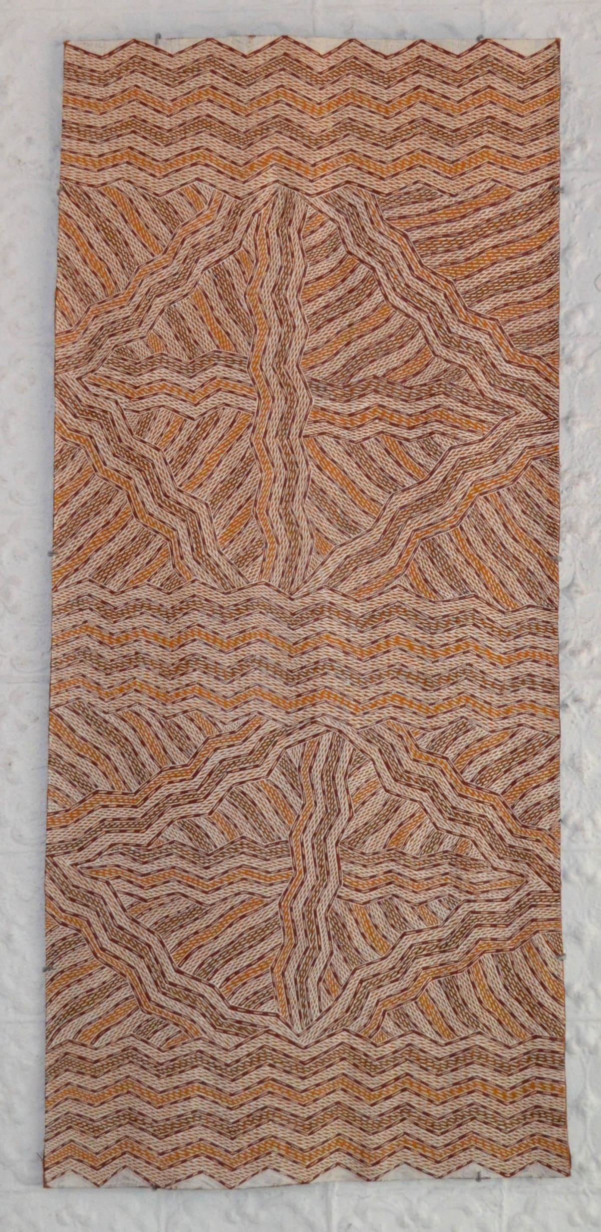 Manini Gumana Garrapara natural earth pigment on bark 137 x 62 cm