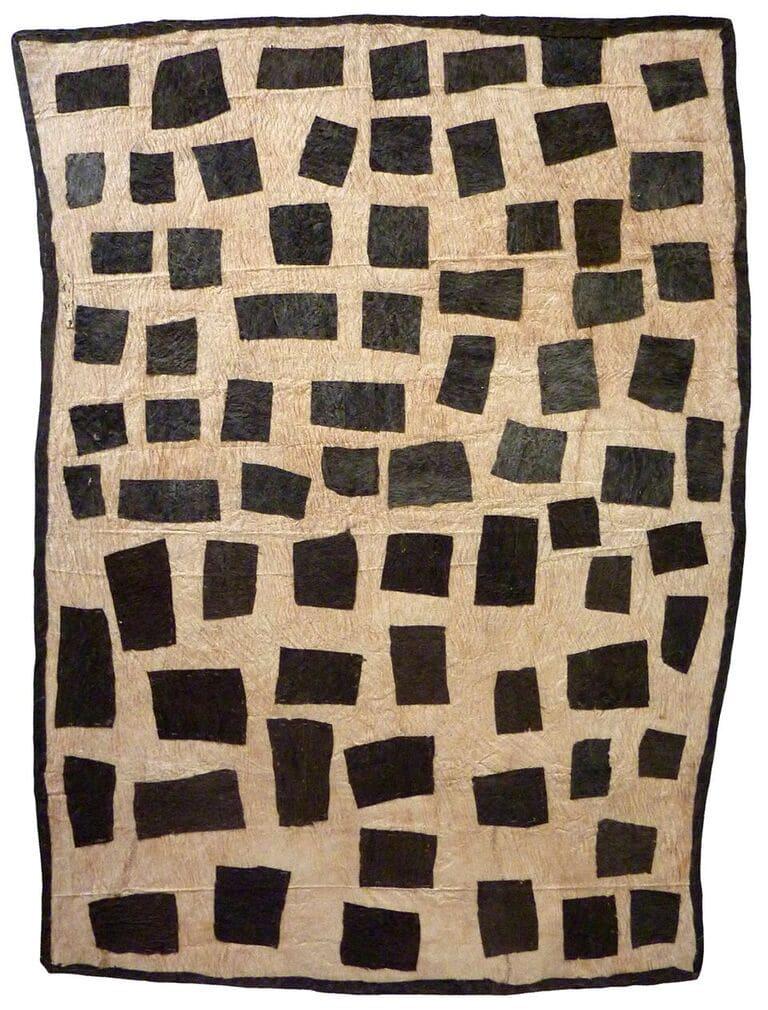 Brenda Kesi (Arire) Taliobame'e nioge natural pigments on nioge (barkcloth) 105 x 77 cm