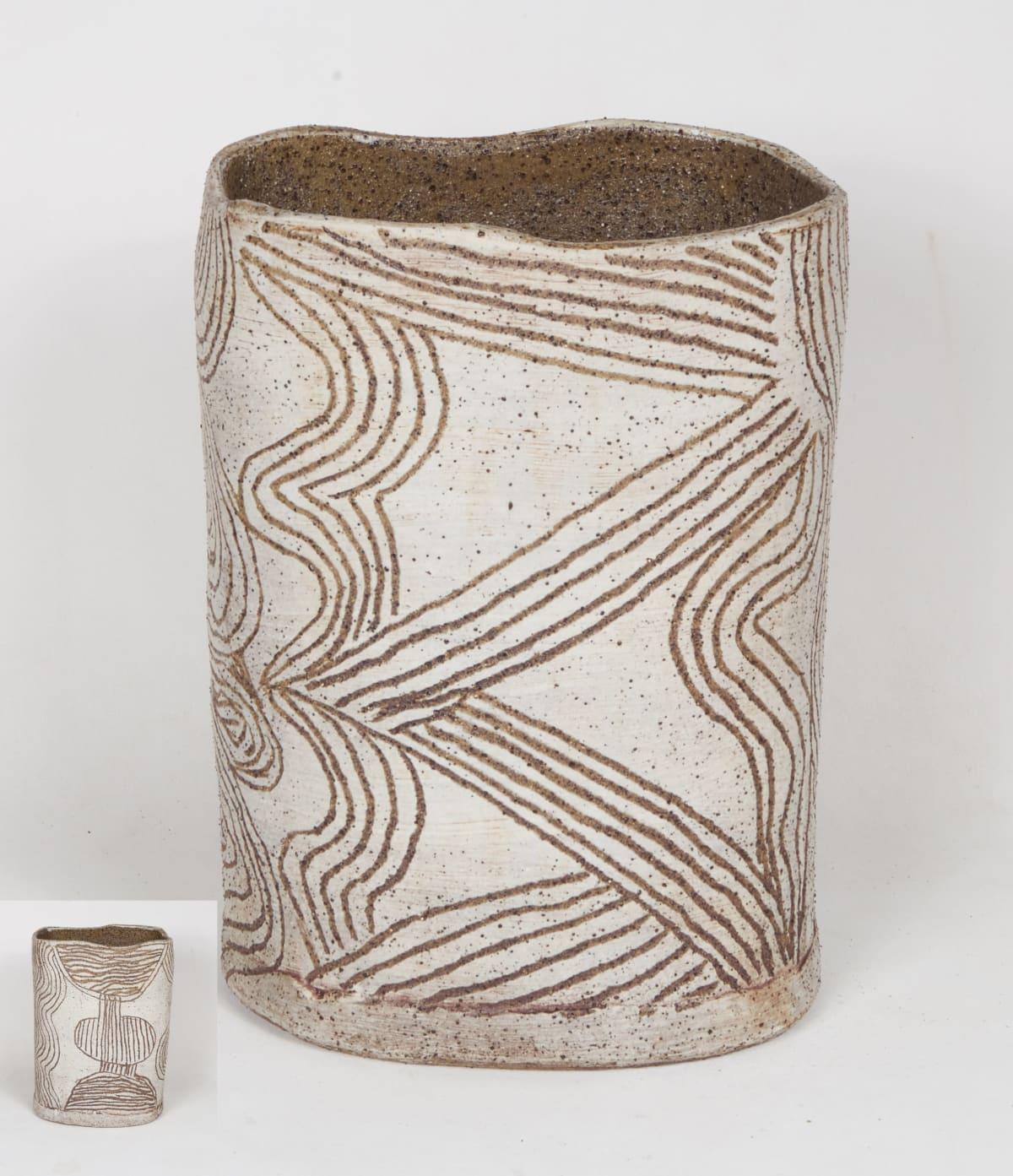Rupert Jack Maku Maku, 2018 Stoneware 32 x 22 cm