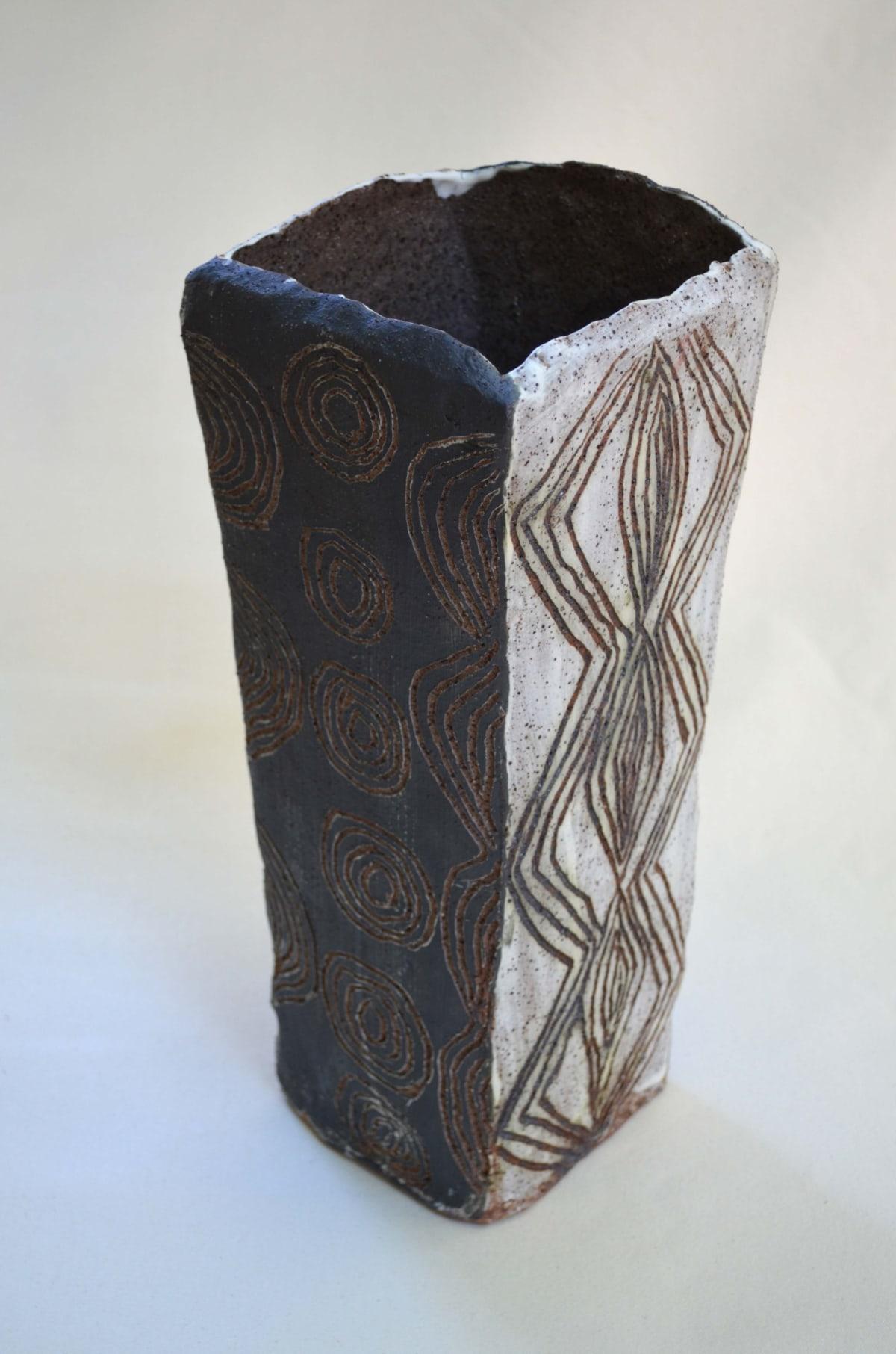 Rupert Jack Maku Maku Stoneware 40 x 22 cm