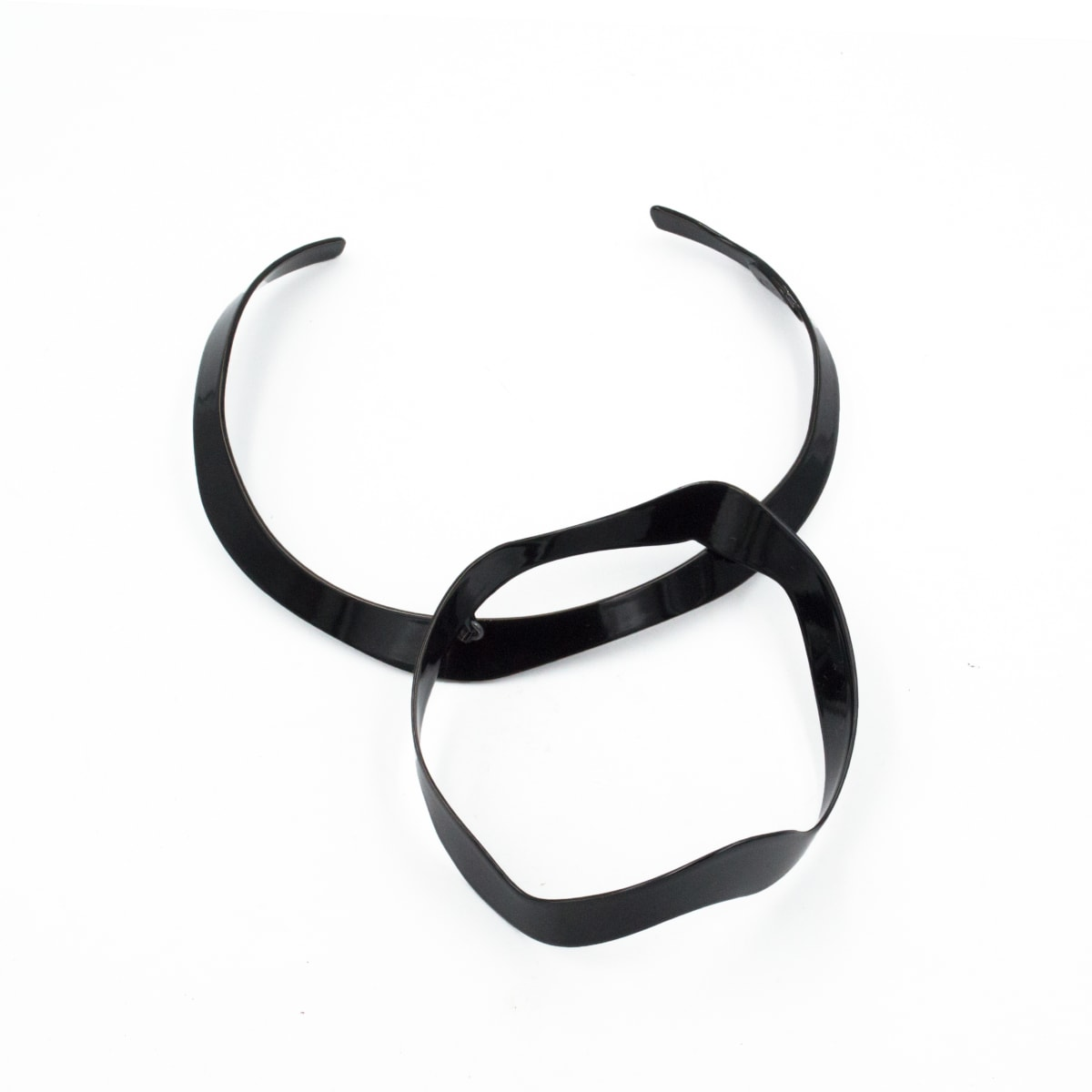 Laura Wood, Circle Torque Necklace