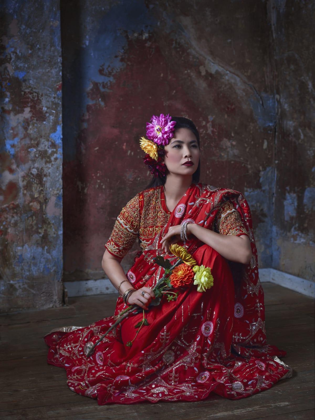 Asianwoman Flower Head 3 Lr