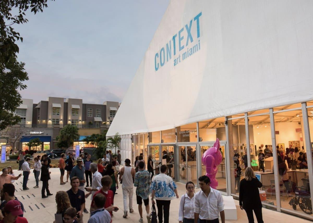 Context show entrance