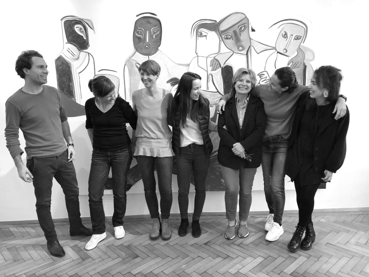 Team WwB & B.LA. Pictured from left to right: Rafael Kropiunigg, Yvonne Reif, Elisabeth Kasbauer, Laura Kropiunigg, Edit Schlaffer, Birgit Lauda and Talina Bauer. Painting by Melike Kara.