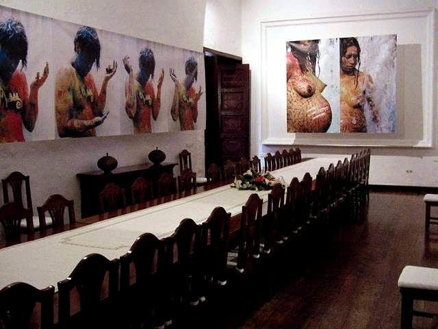 A 2002 19 22 Catalogandinvite And Mediapalaciodespinola Carlosbetancourtexhibit00120