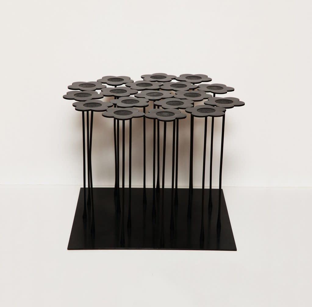 Hubert Le Gall, Warhol 18 Flowers Table, 2015
