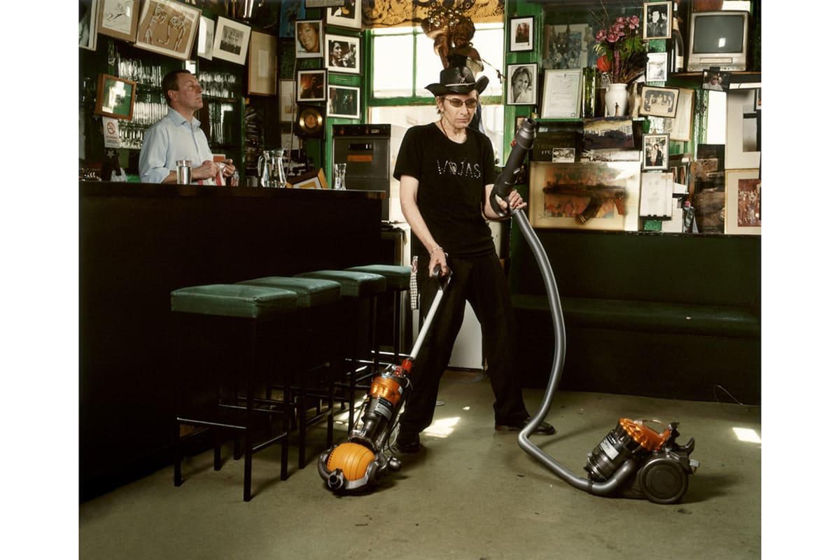 Amelia Troubridge, Michael Wojas hoovering at The Colony Rooms, 2008