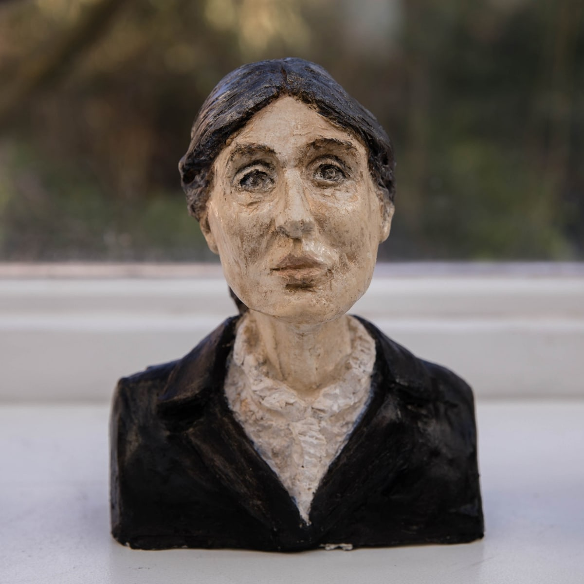 Nicole Farhi Virginia Woolf ciment fondu and acrylic; hand-painted bronze casts available to purchase 20 x 16 x 7 cm edition of 7 + 3 APs