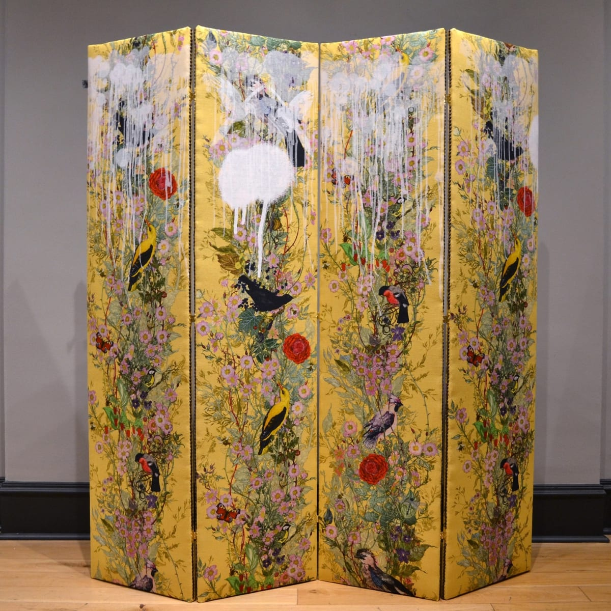 Timorous Beasties White Tagged Fruit Looters, 2019 folding screen upholstered in Fruit Looters fabric with one-off screen print design 172 x 123 cm (3 panels, 41 cm width each)