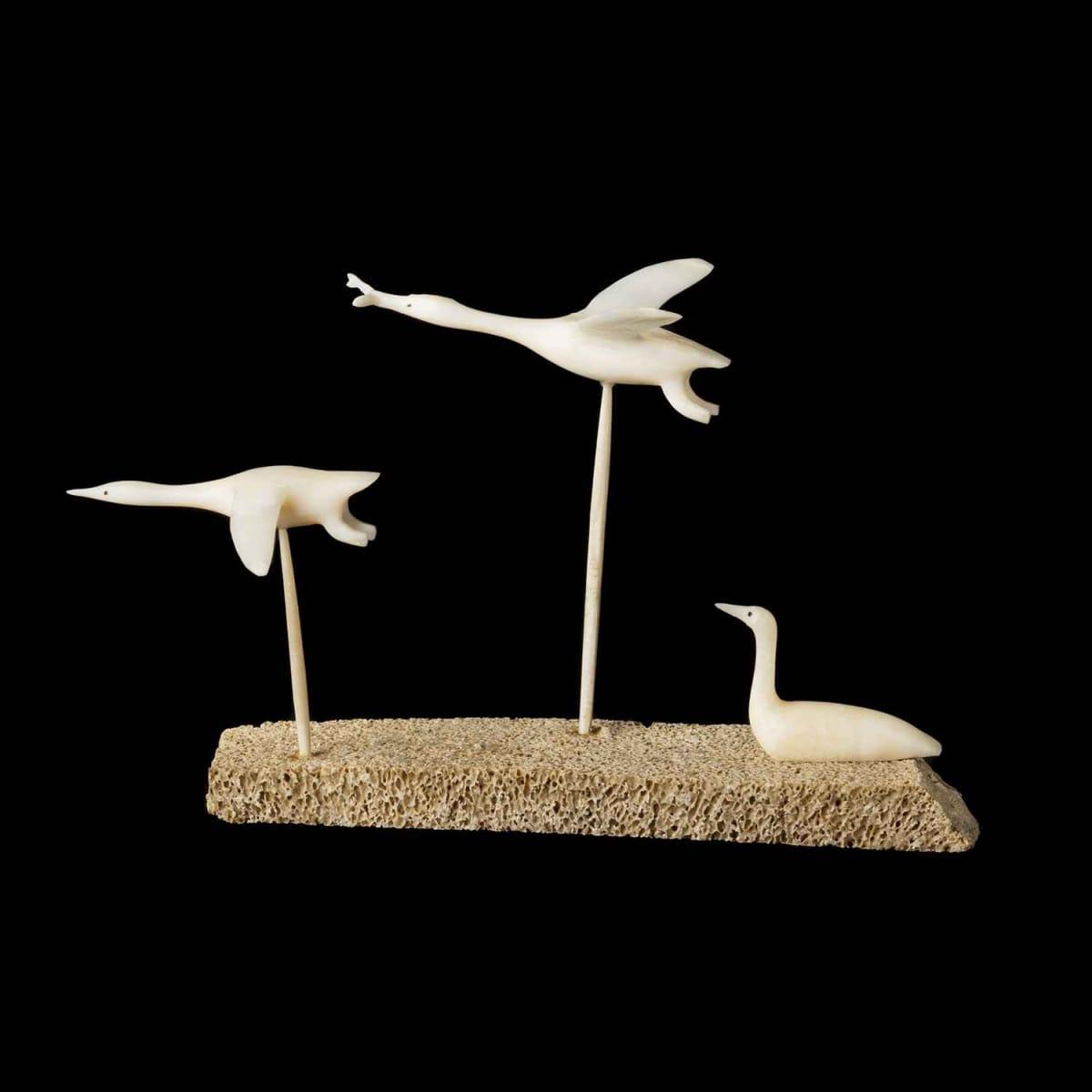 11. Attr.: FABIEN OOGAAQ (1923-1992), KUGAARUK (PELLY BAY) Three Birds, 1968
