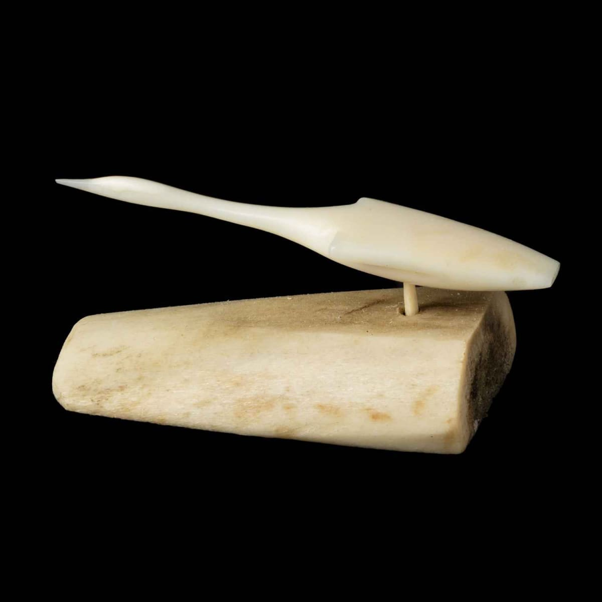 27. UNIDENTIFIED ARTIST, KUGAARUK (PELLY BAY) Flying Bird