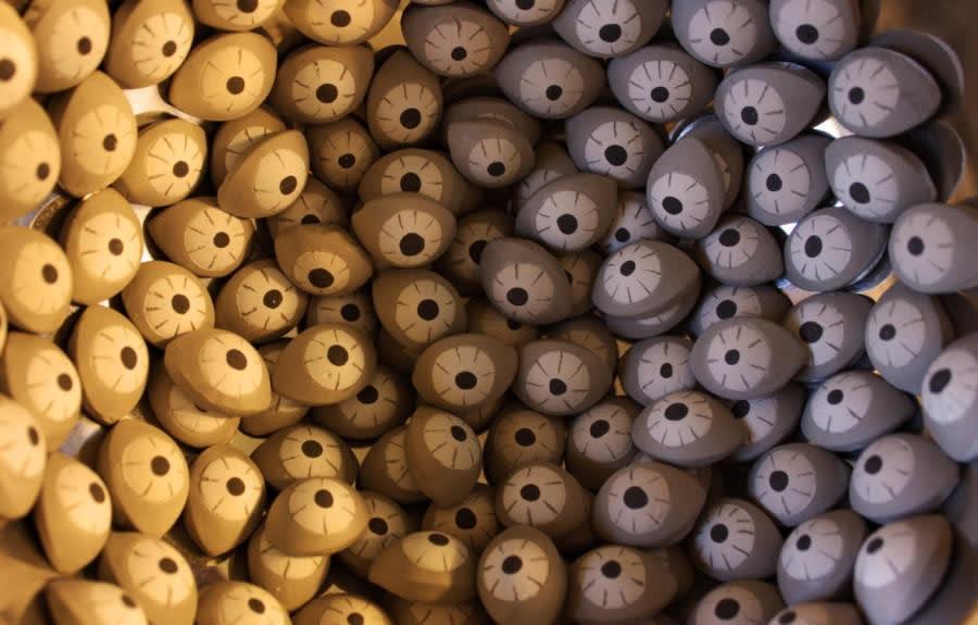 Thais Mather, Eyes, ceramic