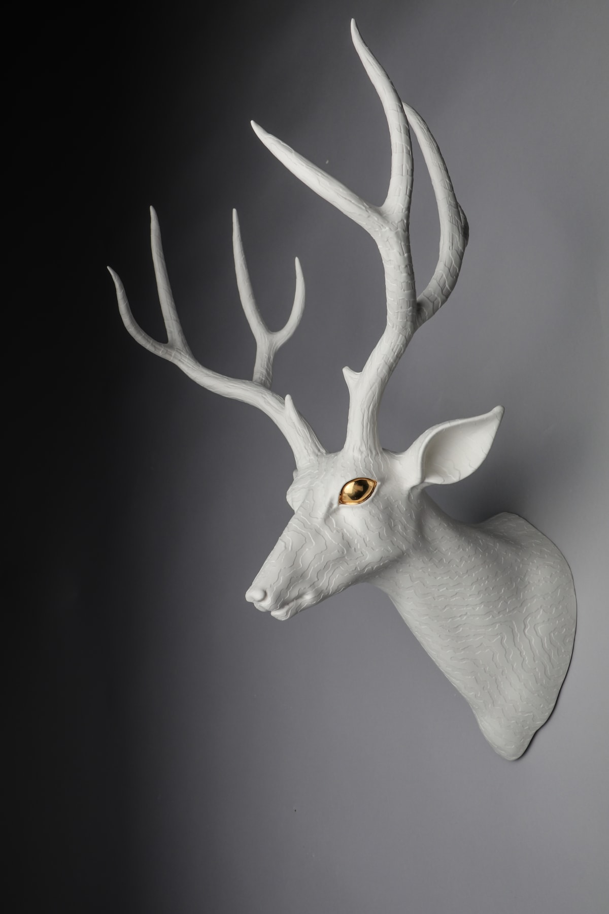 Sculptures By Maeng Highlight The Invisibility Of Animal World