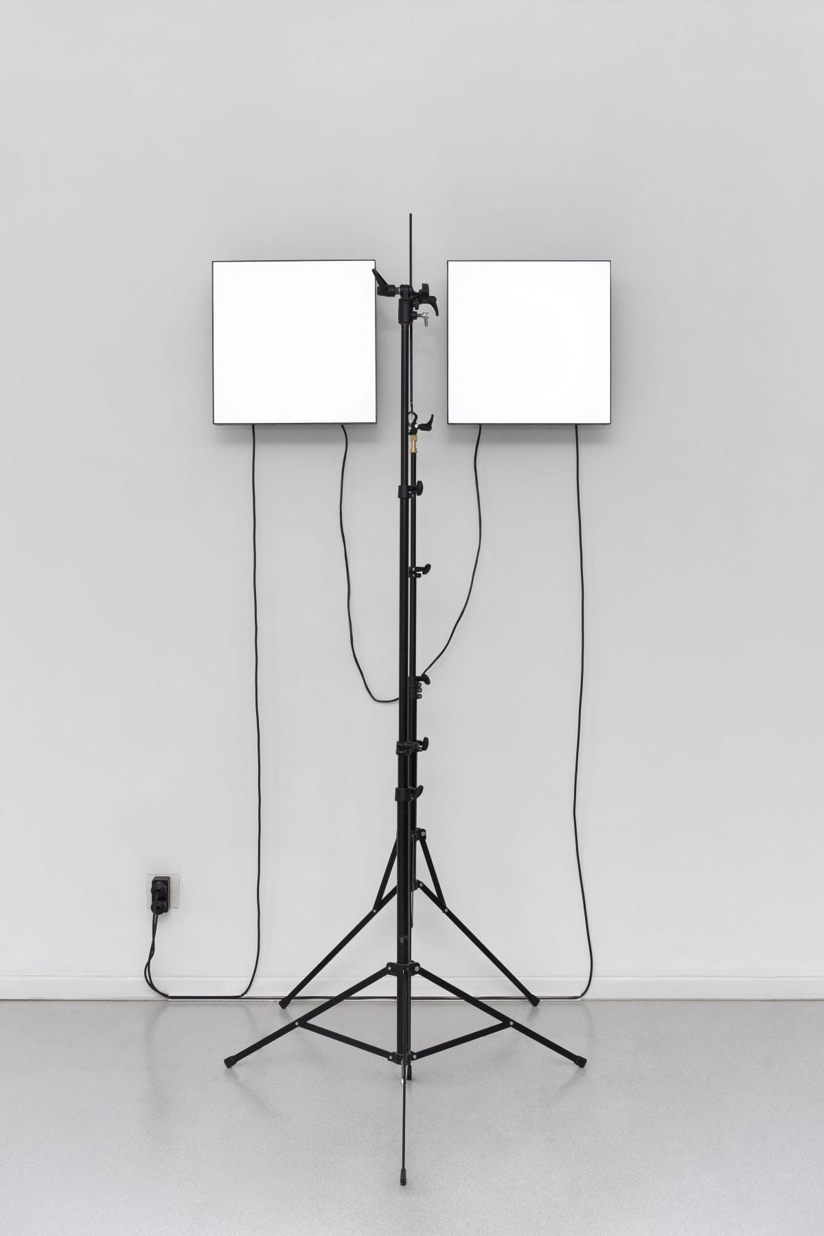 Emmanuel Van der Auwera: VideoSculpture XXI (Vegas), 2019 2 x Manipulated LCD screens, 2 x Tripods, 1 x Plexiglass, cables, HD Video (15 minute loop) 181 x 96 x 75 cm 71 1/4 x 37 3/4 x 29 1/2 in