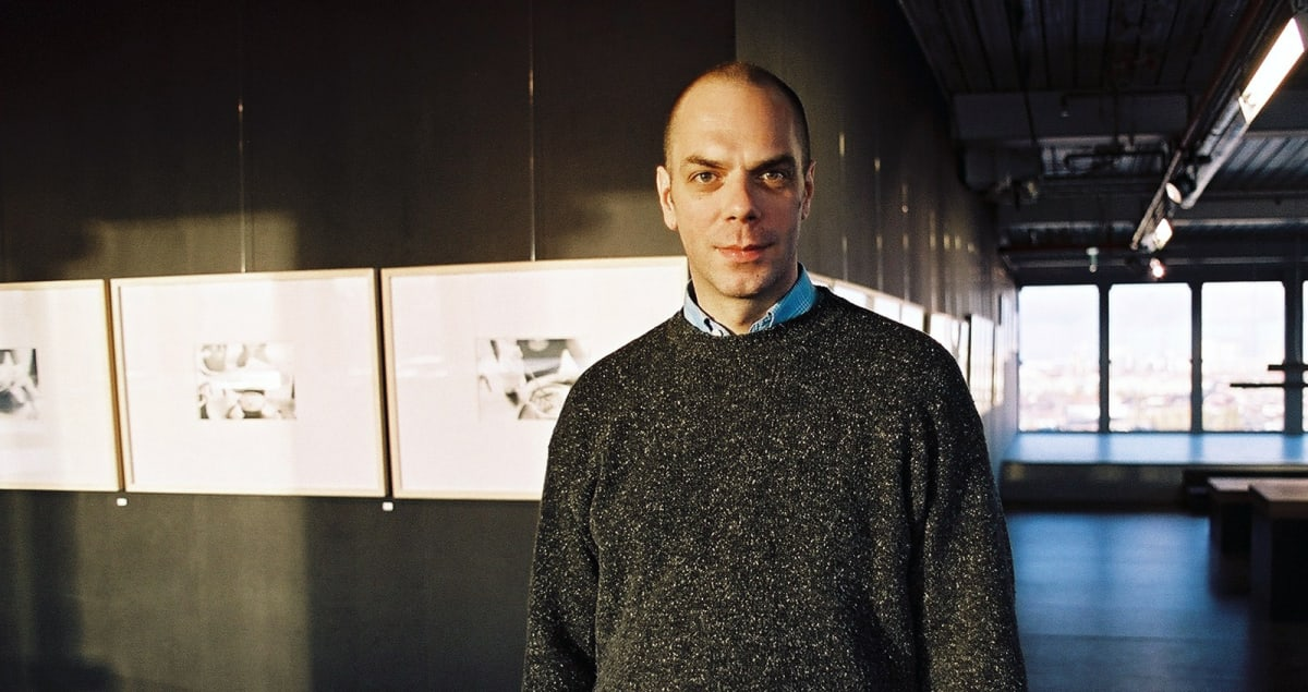 Henry Landers at his solo exhibition Zumtobel Staff Gallery