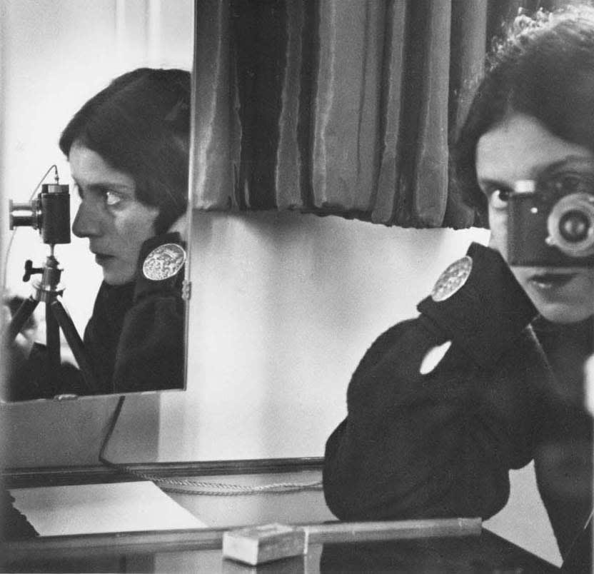 Ilse Bing: Photography Through the Looking Glass