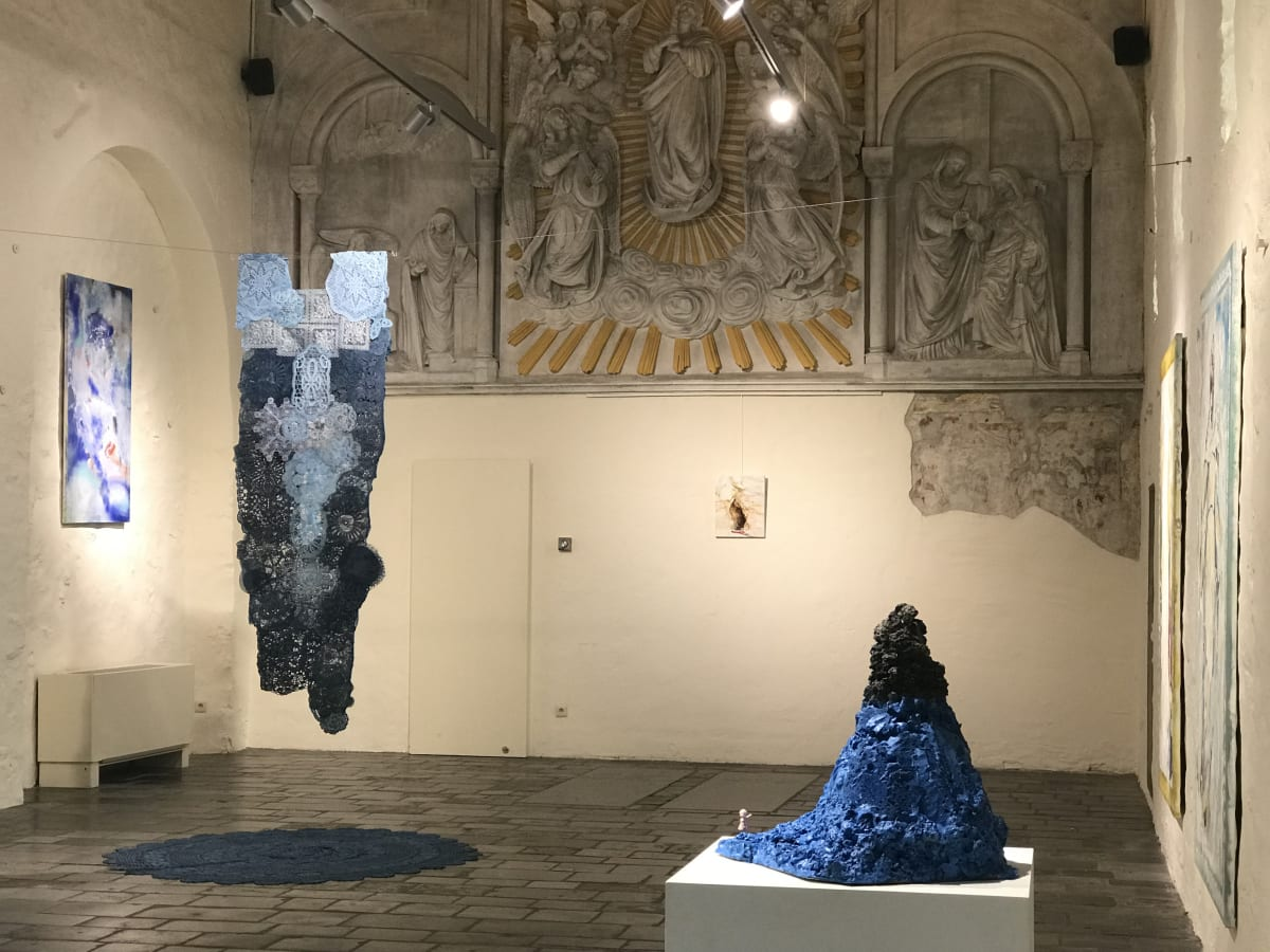 Art Project Emmy Asakura Longing for Your Blue Embrace, Gasthuiskapel Borgloon 2019