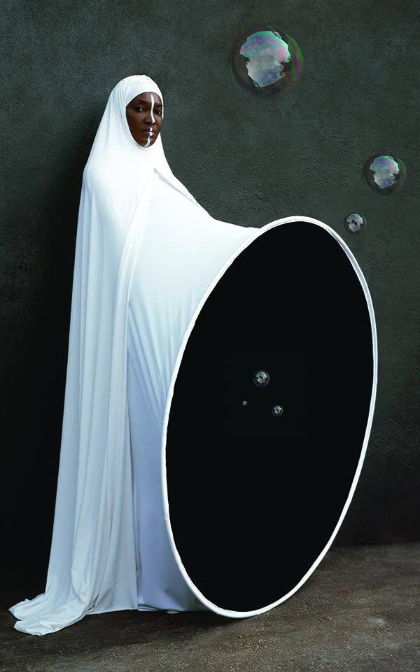 A Queen Within: Adorned Archetypes – Maïmouna Guerresi