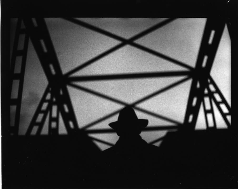Giacomo Brunelli, Man, Hat and Bridge, Hamburg, 2016