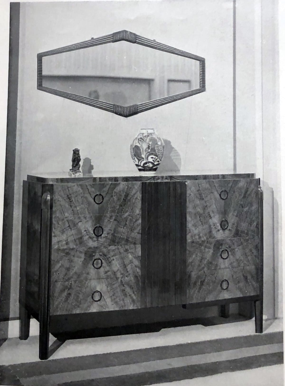 Art Deco cabinet by DIM. Paris, 1925