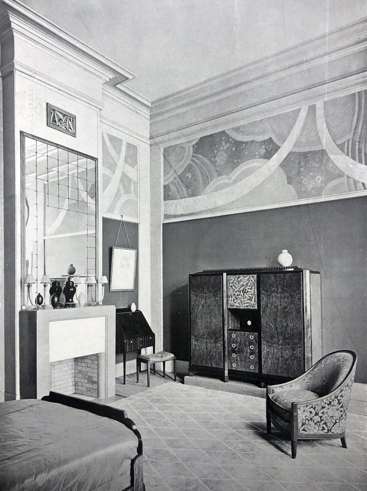 Art Deco master bedroom by DIM. Paris, 1925