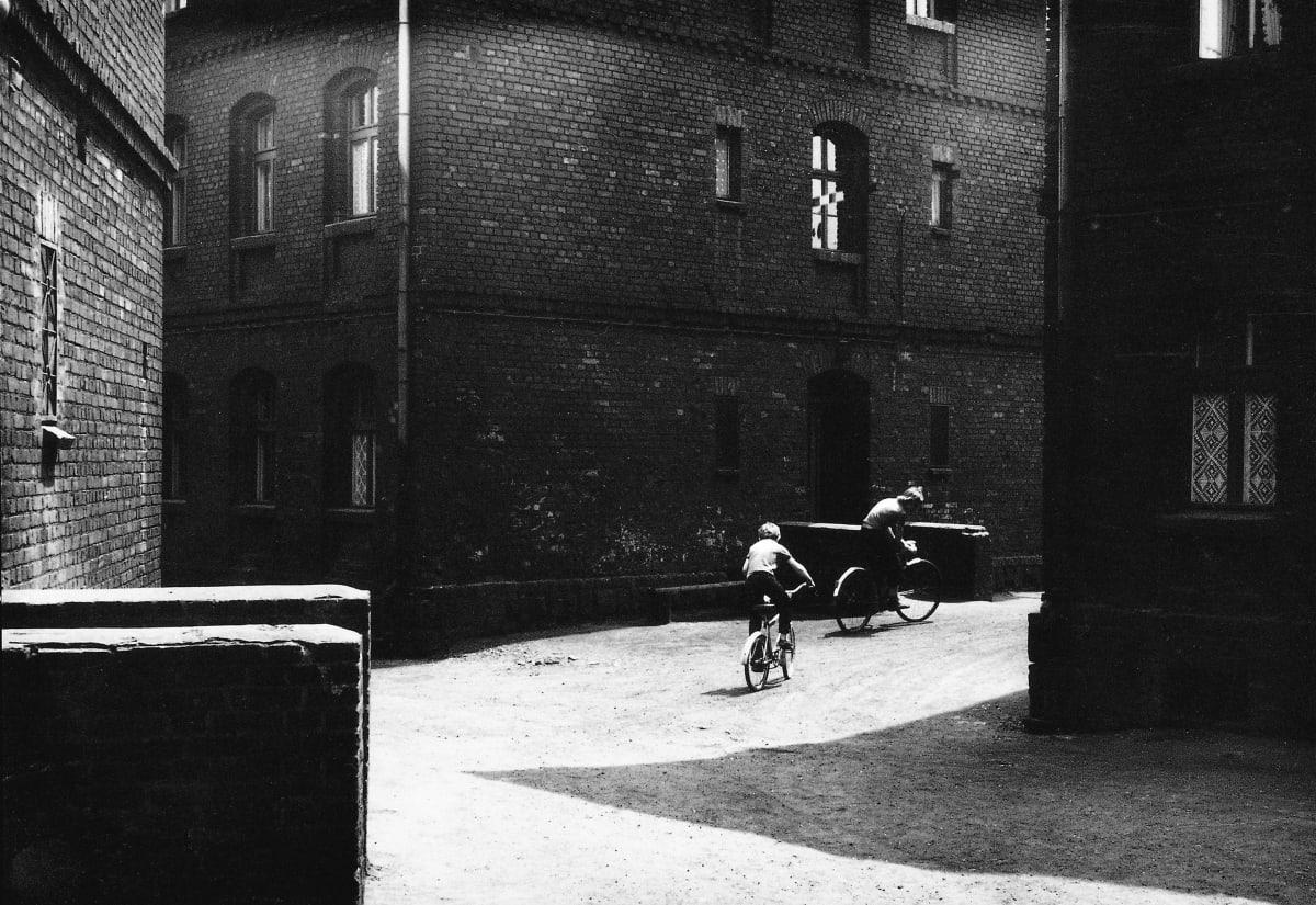 Michal Cala, Boys on bikes / Rowerzysci, Ruda Slaska – Nowy Bytom, 1978