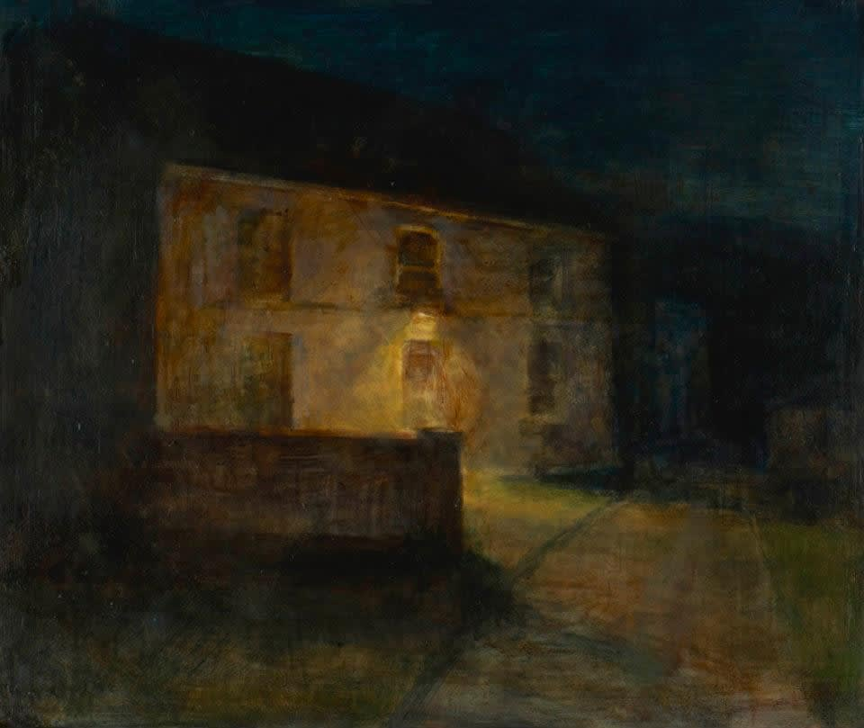 Maeve McCarthy Old House Tempera and oil on gesso panel 25 x 30 cm