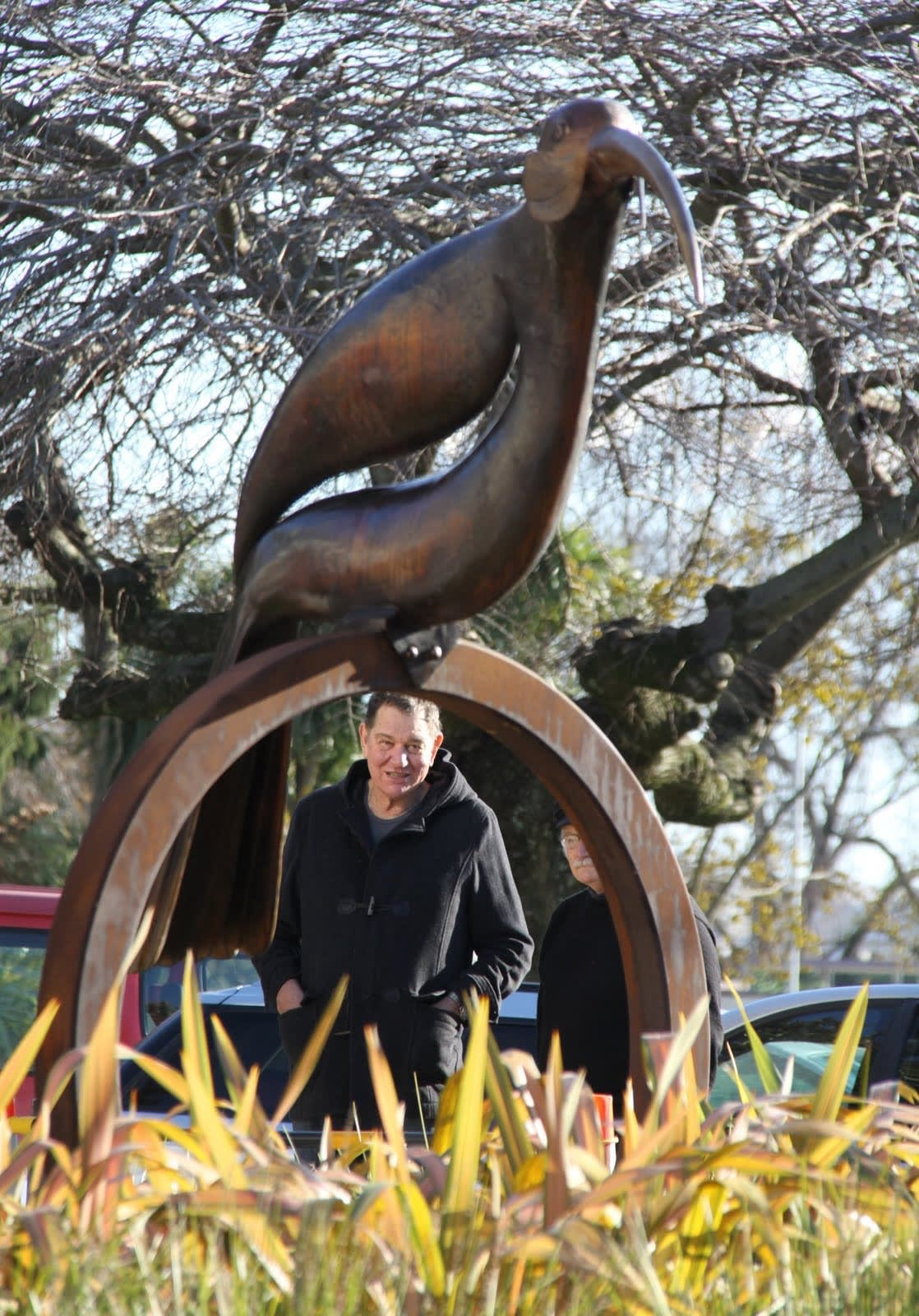 Paul Dibble Gifts Large Huia to Palmerston North