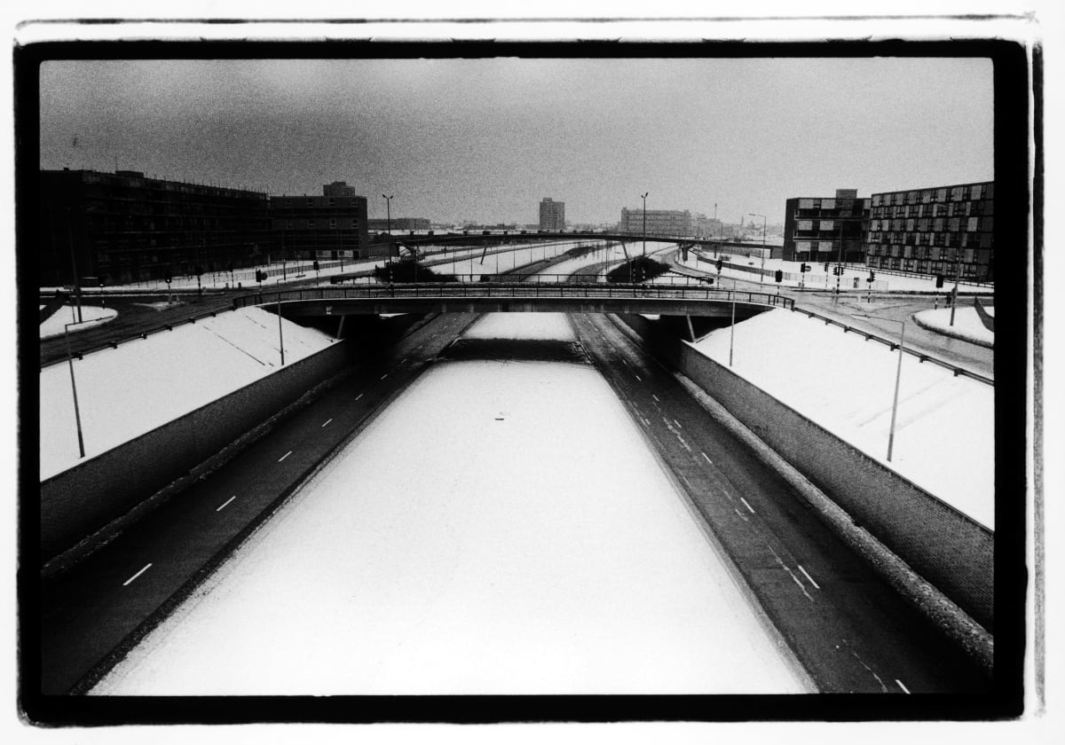 Kevin Cummins 5.Princess Parkway, Hulme, Manchester, 6 January 1979, 2006 Gelatin-silver print 40.6 x 50.8 cm 16 x 20 in Edition of 75