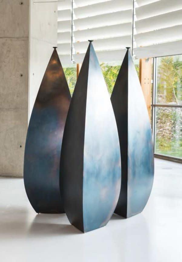 Osman Dinc, Three Amphoras , 2009