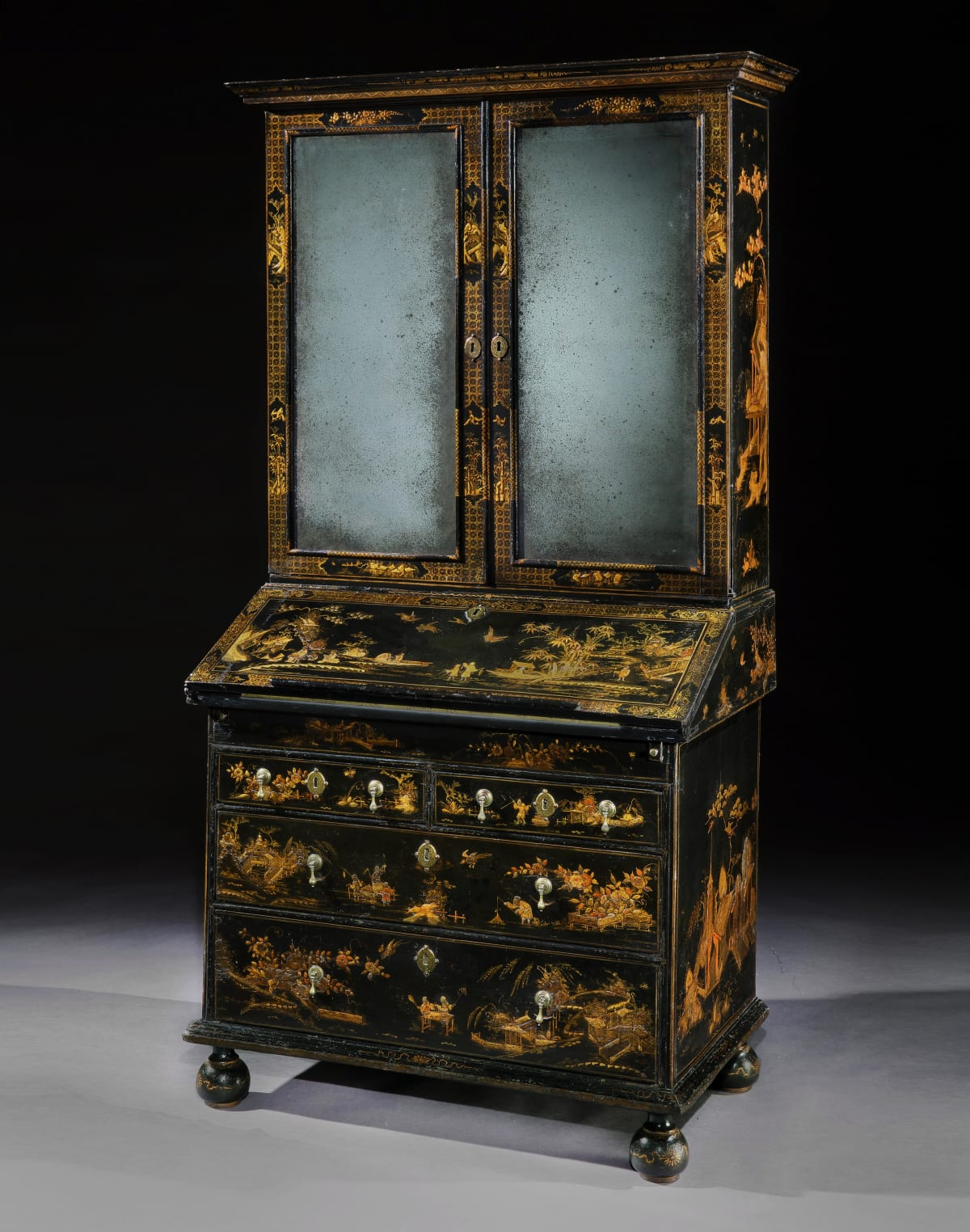 A WILLIAM AND MARY JAPANNED BUREAU BOOKCASE, ENGLISH, CIRCA 1685