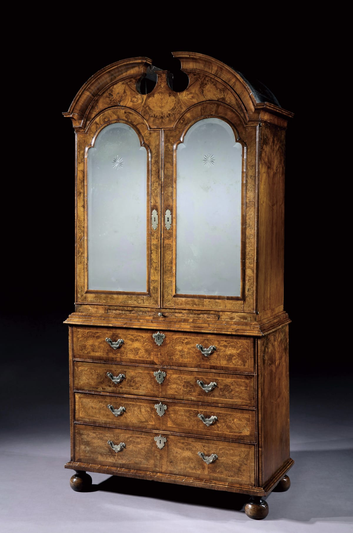 A GEORGE I BURR WALNUT SECRETAIRE CABINET. BY WILLIAM OLD AND JOHN ODY, ENGLISH, CIRCA 1720