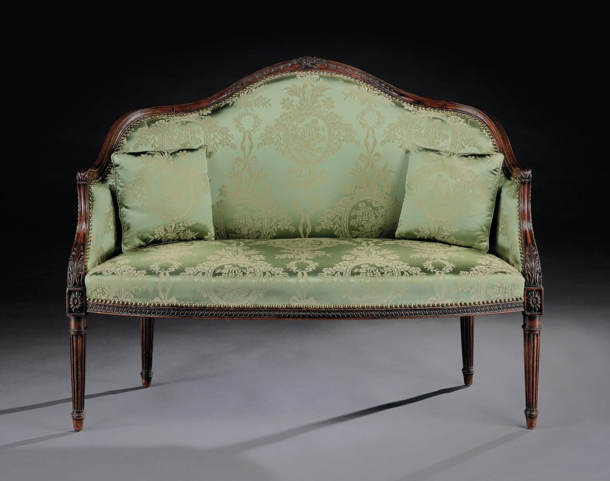 A GEORGE III MAHOGANY SETTEE, ENGLISH, CIRCA 1780