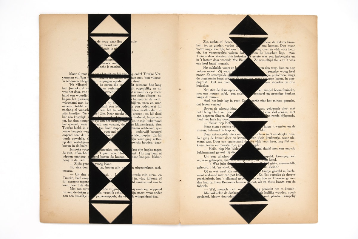 Marinda Vandenheede, 2021, Pars Pro Toto - Exhale, Ink on book pages from 1929, 26.7 x 36 cm, 10 1/2 x 14 1/8 in. Photo: David Samyn