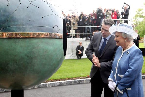 Queen Elizabeth Unveils Anthony Scott Sculpture