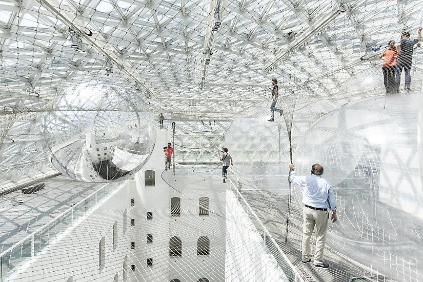 Image of Saraceno's work.