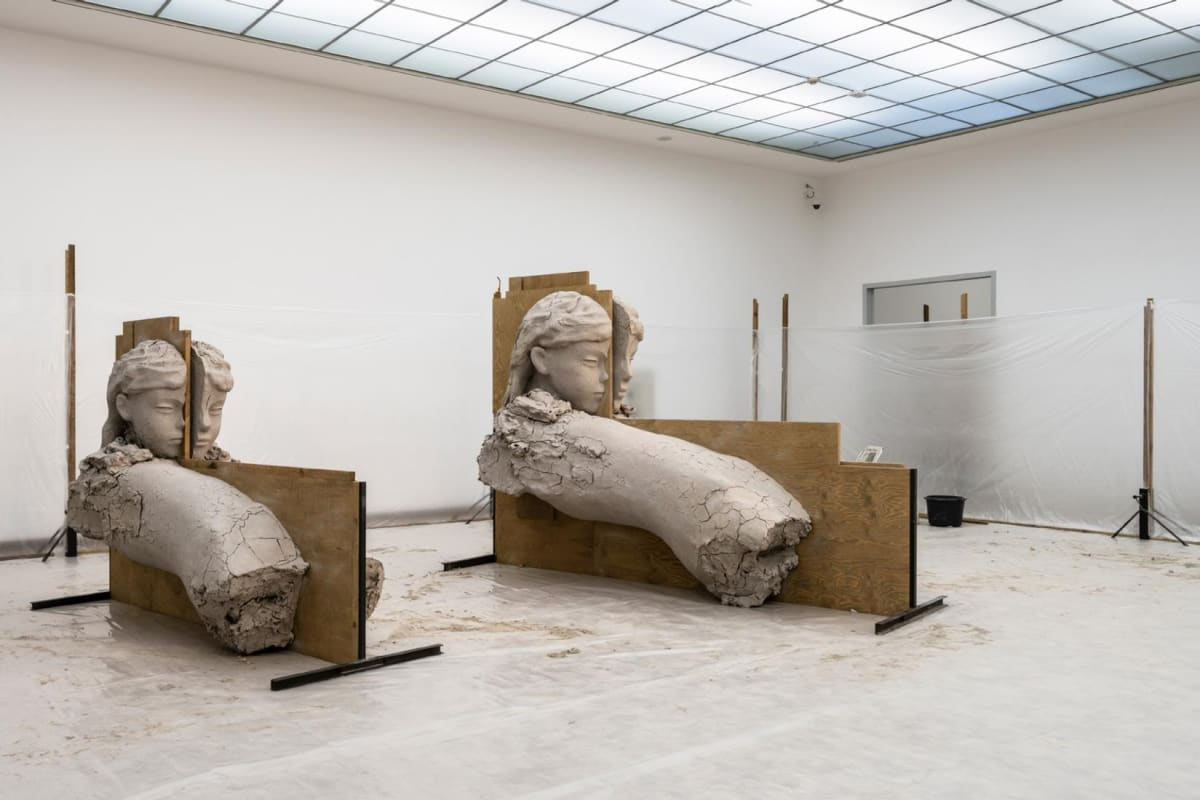 Installation image of Mark Manders' exhibition.