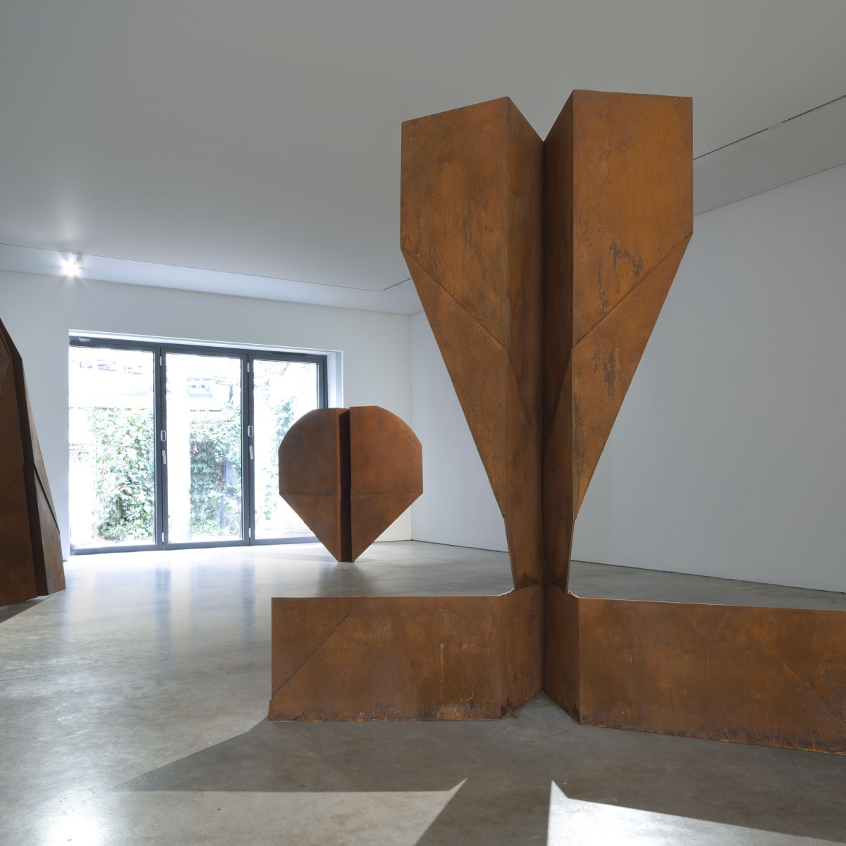 Marcelle Joseph Interviews Sculptor Samuel Zealey